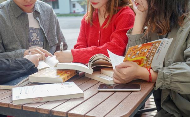 重慶英語培訓班有適合成人的嗎?哪家的培訓班比較好?